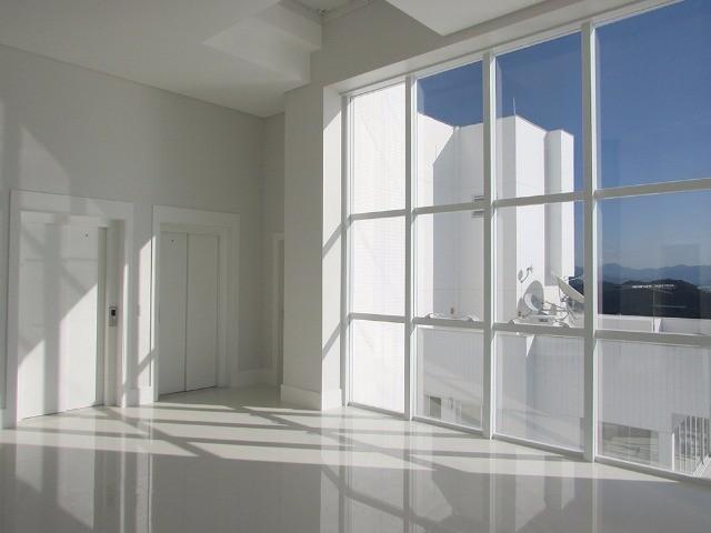 Cobertura Duplex no Edifício Ibiza Towers em Balneário Camboriú - SC