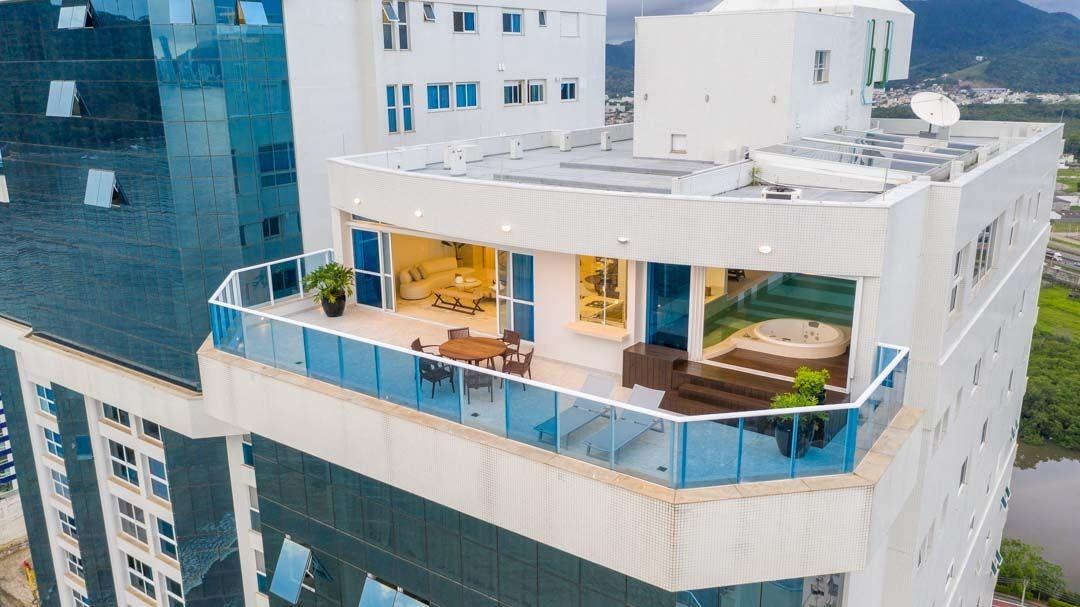 Cobertura  Edifício Costão da Barra em BALNEÁRIO CAMBORIÚ - SC