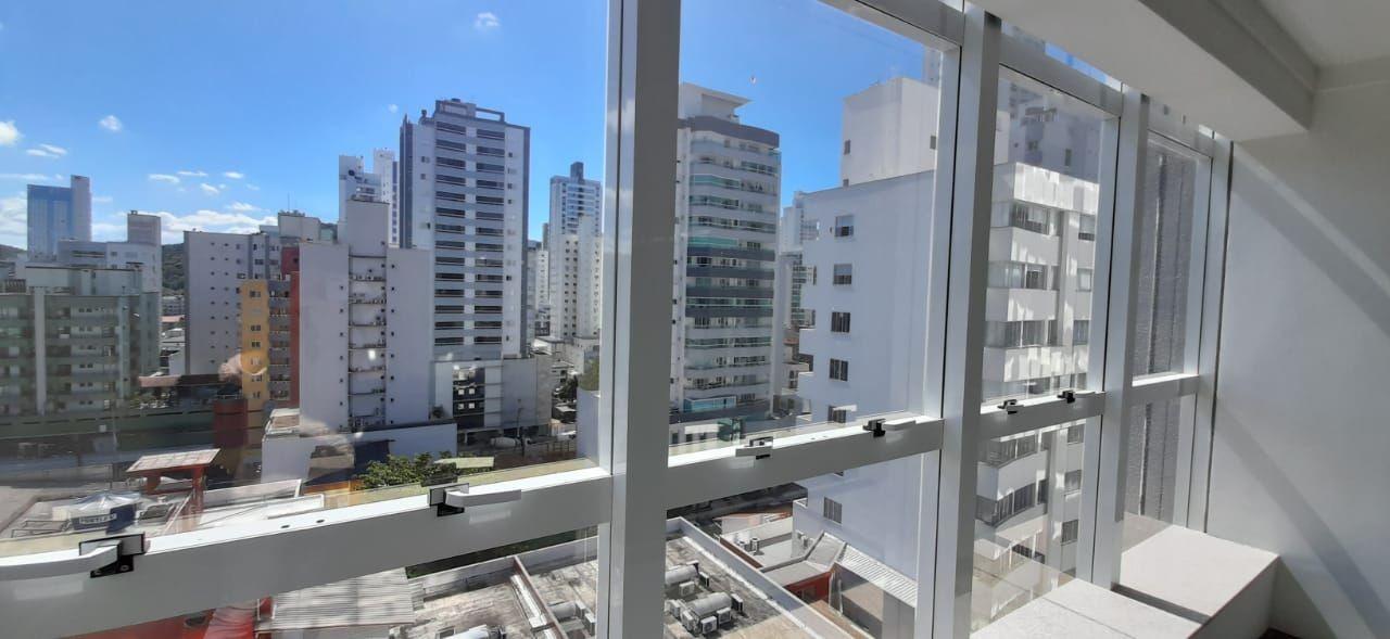 Sala Comercial no Edifício Galli Center Tower no Pioneiros em Balneário Camboriú