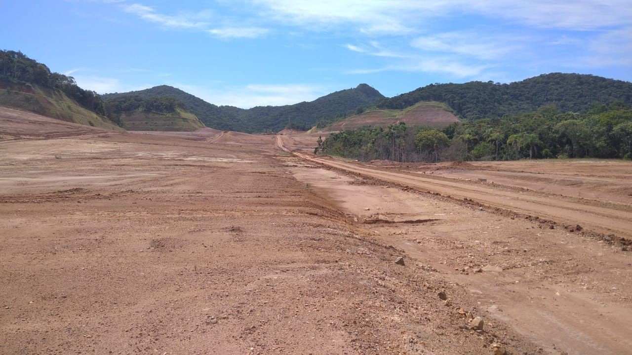 Terreno no Bairro Planejado Colinas de Camboriú SC