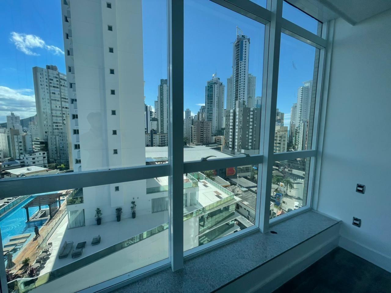 Apartamento no Edifício Marina Beach Towers em Balneário Camboriú - SC