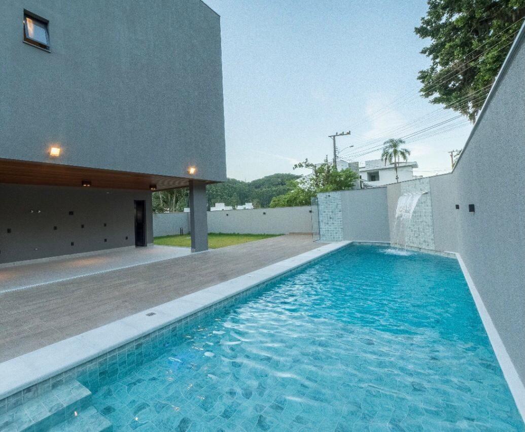 Casa no Condomínio Haras do Rio d Ouro em Balneário Camboriú - SC