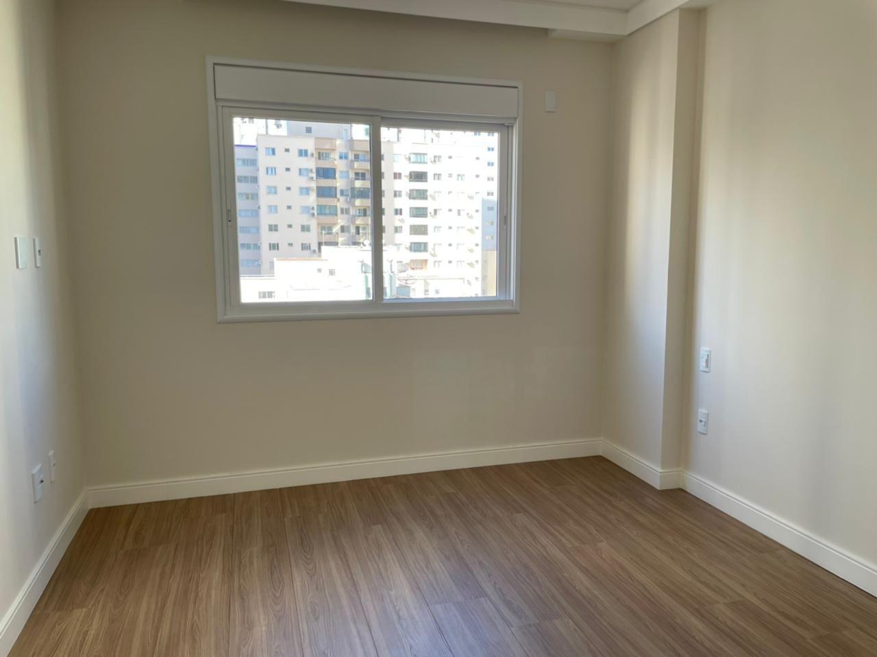 Apartamento no Edifício Isidora Mafra em Balneário Camboriú SC.